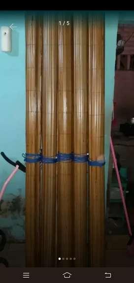 Tirai bambu dan kulitnya bambu dan rotan
