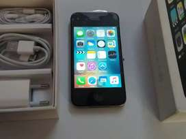 I phone 4s 16gb including box and accessories