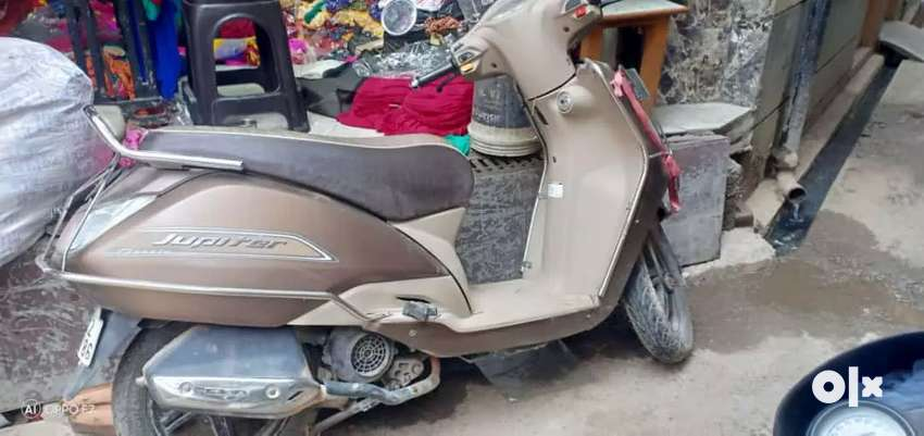 tvs jupiter classic with 2 year insurance 0