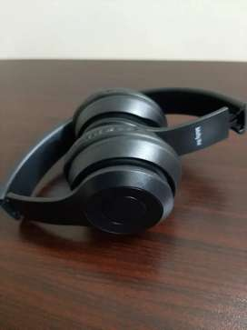 Bluetooth headphones for sale in good price.