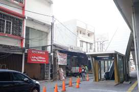Disewakan Ruko 3lt + Rooftop di Fatmawati (MRT Haji Nawi)