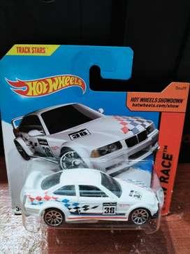 Dijual Hotwheels Type BMW warna putih