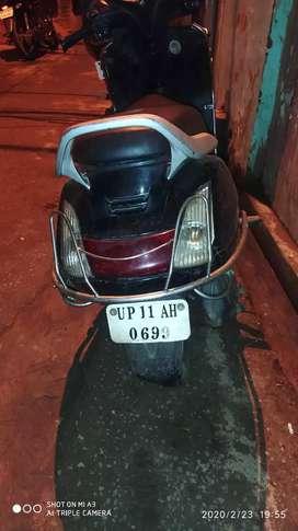 Sealed engine black colour Activa nice condition koi kami nhi  ha