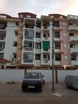 Vaishali 3bhk Flat Multistory Building Near Chitrakoot for Family