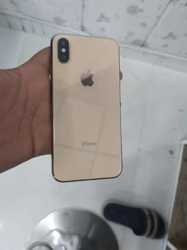 iPhone xs 4 month old with all accessories