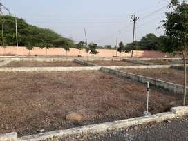 @Theur 1 to 11 Ghunta Plot  nr PuneSolapur Highway at Rs.5 lac only