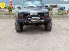 Jeep Cherokee Xj bisa TT