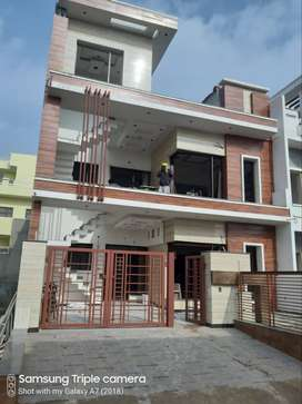 200 GAJ  DOUBLE STORY KOTHI IN SECTOR 123 NEAR 200 FT NEW AIRPORT ROAD