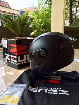 Helm zeus 811 black doff