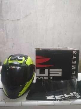 Helm zeus zs811