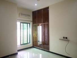 5 marla flat for rent.