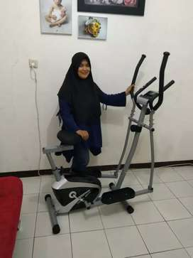 Dua fungsi Ellyptical Cross trainer