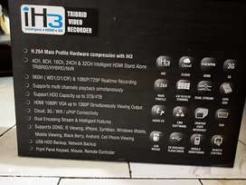 Tribrid video recorder for cctv