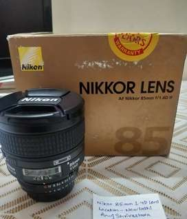 Nikon 85mm f/1.4 D IF Lens - Best Portrait Lens - Only 6 months old