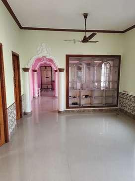 Ground floor house for lease