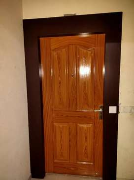 Good condition flat with wood work, zero seepage in flat. Road facing.