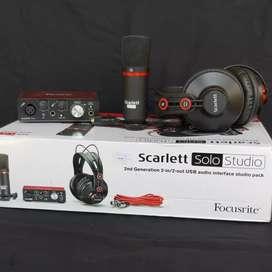 Focusrite Scarlett solo studio isi soundcard mic condenser Headphone