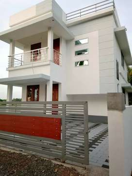 4 cent 1600 sqft 3 bhk new build house at aluva near west kadungallur