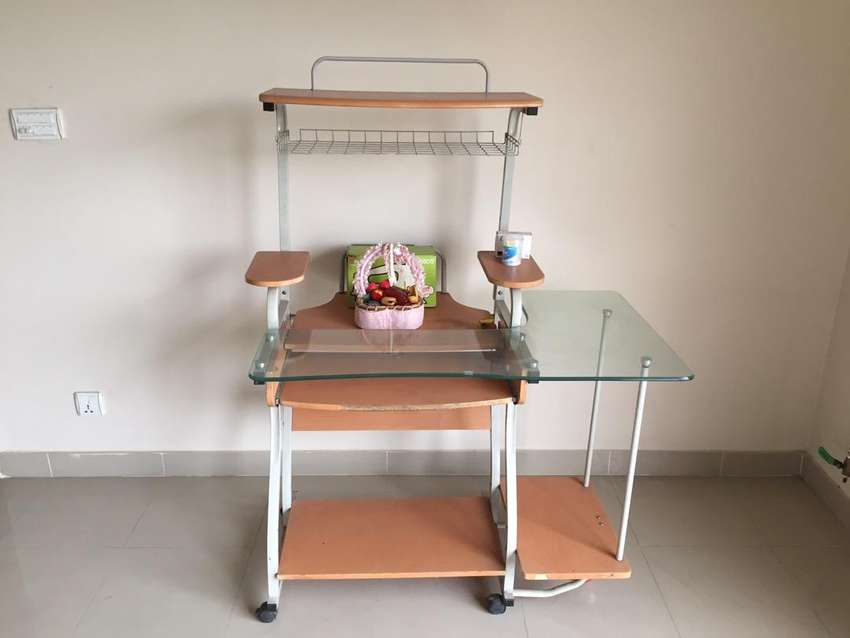 Computer Table for Sale 0