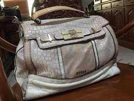 tas wanita merk GUESS ori ( barang masih bgus & mulus bgt )