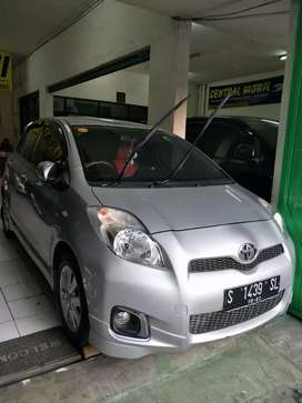 TOYOTA YARIS E AT