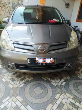 Nissan grand Livina, matik 2012