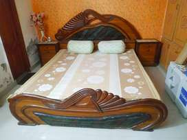 Bed Room Side Tables with Dressing Table for sale in vry good conditin