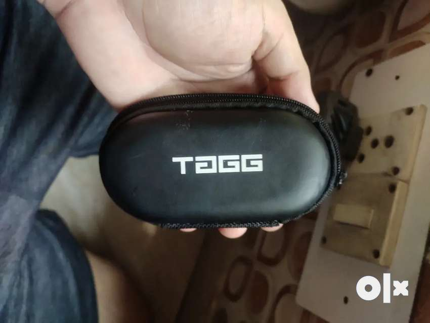 Tagg earbuds bluetooth
