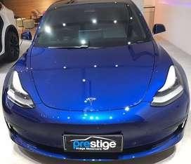Tesla Model 3 Standard Plus Blue on White Second