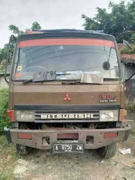 Mitsubishi fuso th 1995 warna coklat