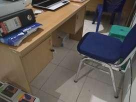 Murah banget meja kantor bonus kursi enam biji