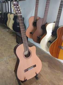 Gitar akustik Nilon baru