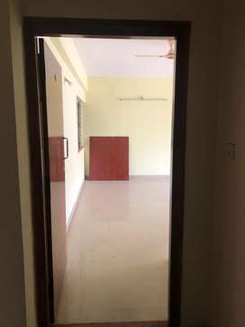 15L lease for 3Bhk semi fur apartment