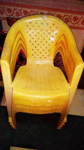 Chair Neelkamal white colour 4 piece