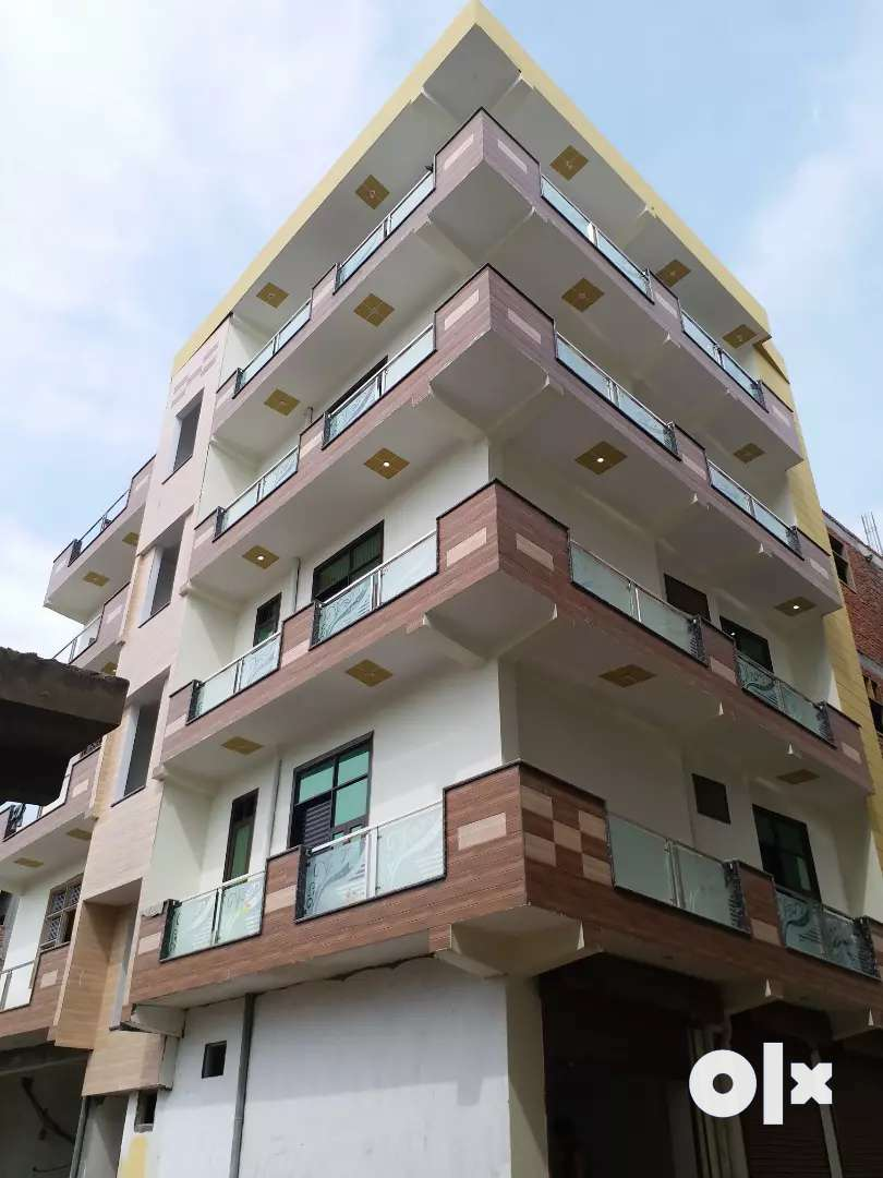 3BHK CORNER FLAT FOR SALE AT MAIN ROAD 0