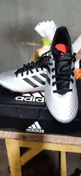 Sepatu bola Adidas predator  19.4 original bnib size 42