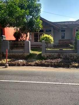 Rumah pribadi pinggir jalan ( jl. provinsi )
