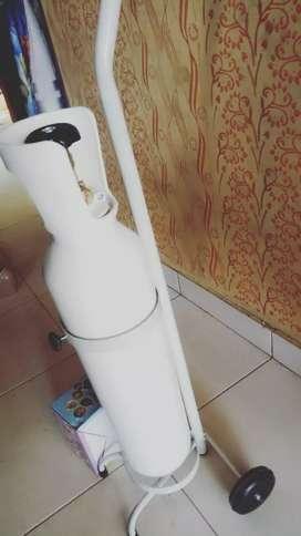 Tabung oksigen lengkap dengan regulator
