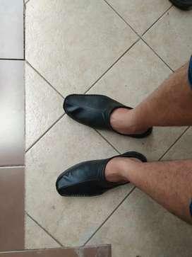 Jual sepatu sandal buat cowok Crocodile..Ukuran 42/43..murah meriah