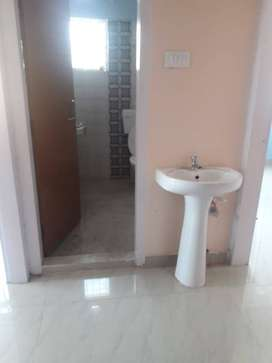 1bhk residential house available in six mile for rent