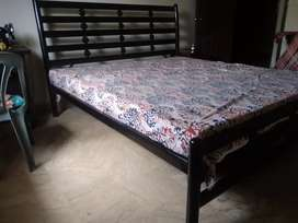 Iron rod bed without metress