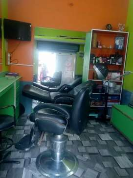 Beauty parlor for sale in kamala nagar