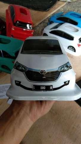 Tempat Tisu Mobil tipe Daihatsu New Avanza