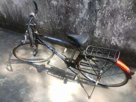 AVON CYCLE IN NEW CONDITION