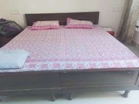 Double bed without box with Mattress