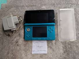Nintendo 3DS not XL Green 16GB Plus Case 0