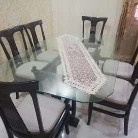 Almost new condition 6X4 Dinning table with 6 chairs