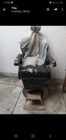 Parlour chair made of heavy iron