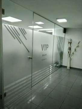 Stiker Sanblas&Kaca Film sebagai dekorasi kaca artistik gedung kantor