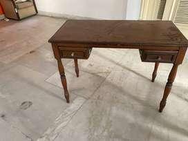 Table/Study Desk